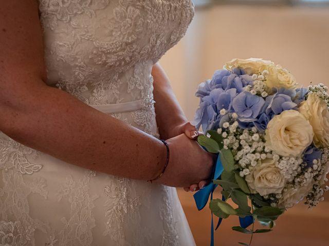 Il matrimonio di Vasile e Francesca a Vizzola Ticino, Varese 30