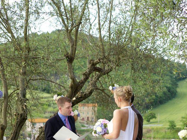 Il matrimonio di Gilbert e Christiane a Passignano sul Trasimeno, Perugia 12