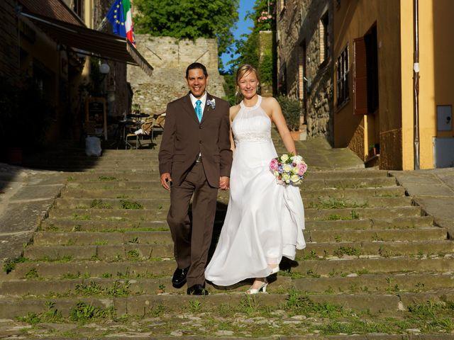 Il matrimonio di Gilbert e Christiane a Passignano sul Trasimeno, Perugia 24