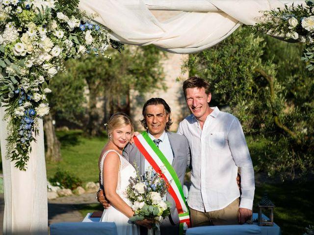 Il matrimonio di Nathanaelle e Jan a Sonnino, Latina 22