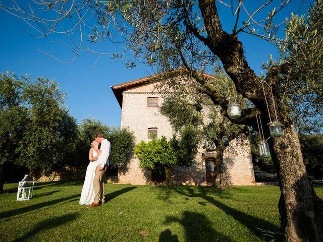 Il matrimonio di Nathanaelle e Jan a Sonnino, Latina 25