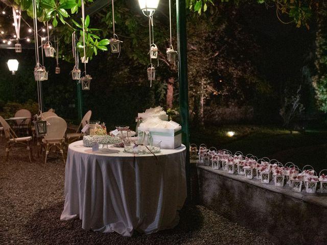 Il matrimonio di Tommaso e Sara a Bodio Lomnago, Varese 30