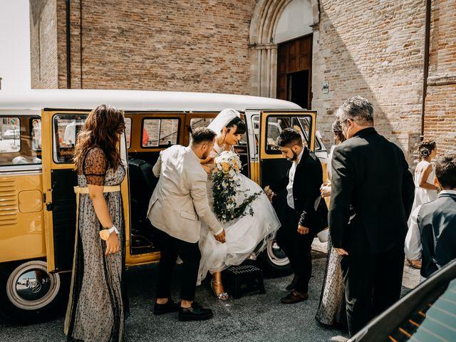Il matrimonio di Deborah e Alessandro a San Lorenzo in Campo, Pesaro - Urbino 34