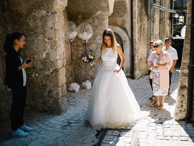 Il matrimonio di Marian e Valentina a Santo Stefano di Sessanio, L'Aquila 24