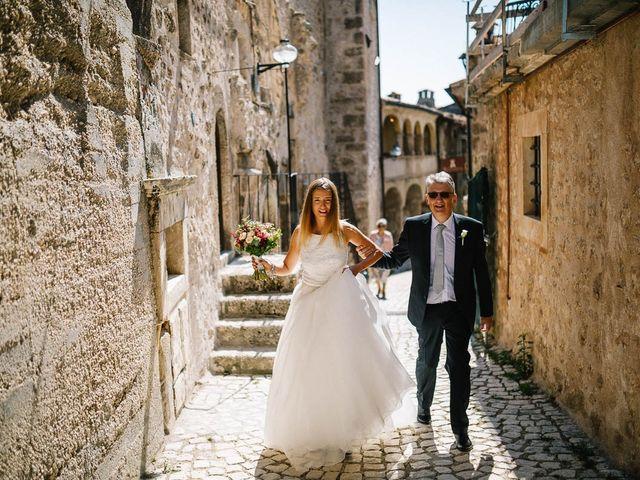 Il matrimonio di Marian e Valentina a Santo Stefano di Sessanio, L'Aquila 25