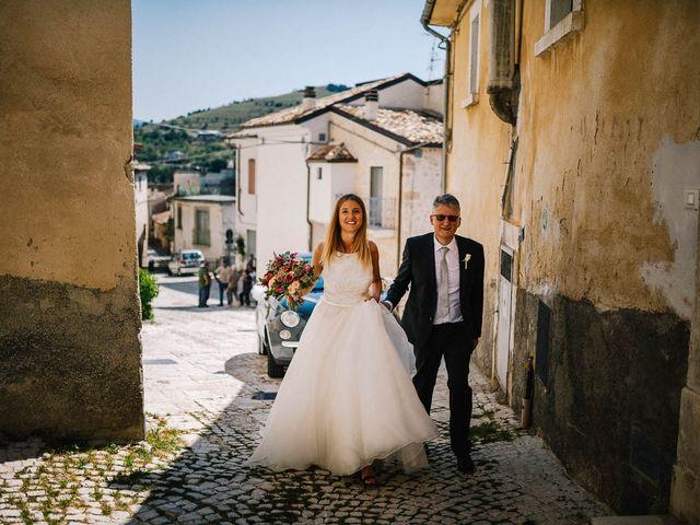 Il matrimonio di Marian e Valentina a Santo Stefano di Sessanio, L'Aquila 29