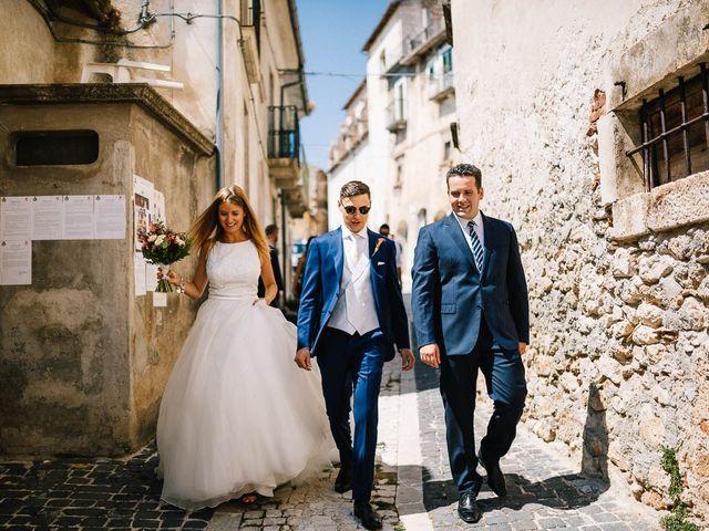Il matrimonio di Marian e Valentina a Santo Stefano di Sessanio, L'Aquila 39