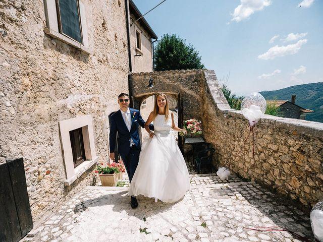 Il matrimonio di Marian e Valentina a Santo Stefano di Sessanio, L'Aquila 42