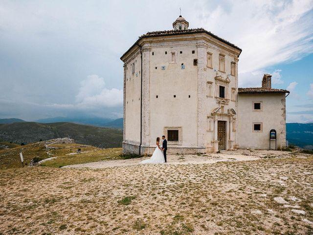 Il matrimonio di Marian e Valentina a Santo Stefano di Sessanio, L'Aquila 54