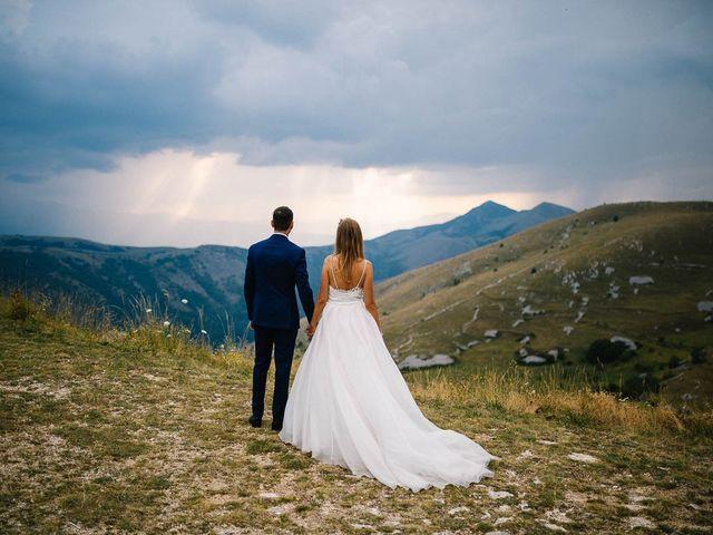 Il matrimonio di Marian e Valentina a Santo Stefano di Sessanio, L'Aquila 55