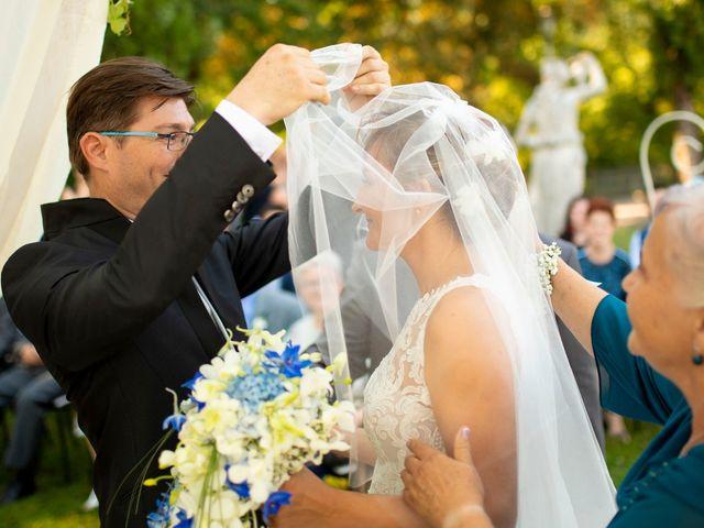 Il matrimonio di Lorenzo e Laura a Mapello, Bergamo 28