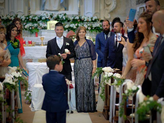 Il matrimonio di Giuseppe e Giada a Cutro, Crotone 40