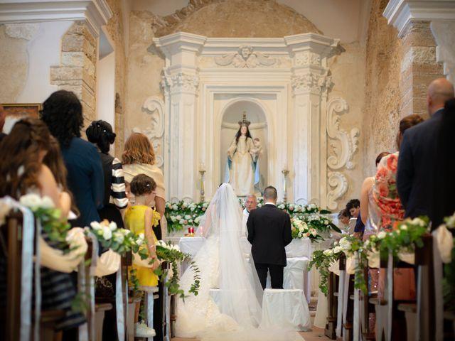 Il matrimonio di Giuseppe e Giada a Cutro, Crotone 16