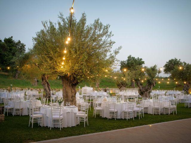 Il matrimonio di Giuseppe e Giada a Cutro, Crotone 22