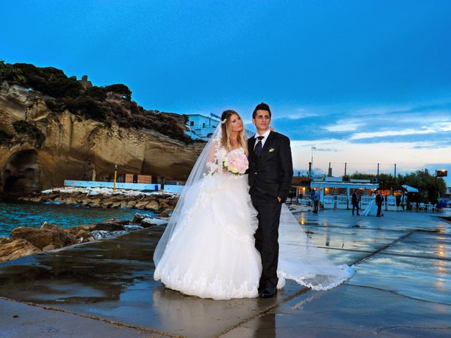Il matrimonio di Salvatore e Nancy a Torre del Greco, Napoli 20
