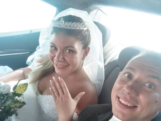 Il matrimonio di Michele  e Claudia a Lecce, Lecce 9