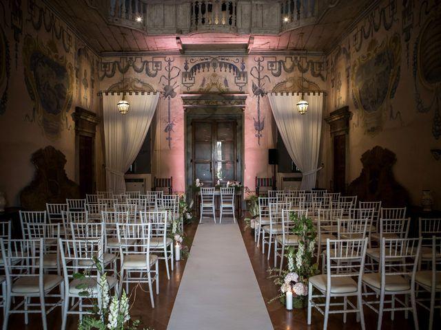 Il matrimonio di Simone e Vitrina a Persico Dosimo, Cremona 11