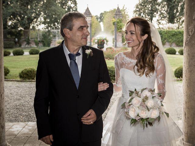 Il matrimonio di Simone e Vitrina a Persico Dosimo, Cremona 14
