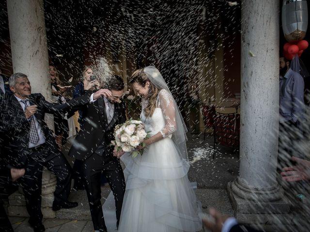 Il matrimonio di Simone e Vitrina a Persico Dosimo, Cremona 30
