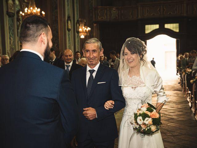 Il matrimonio di Luca e Sabrina a Piscina, Torino 19