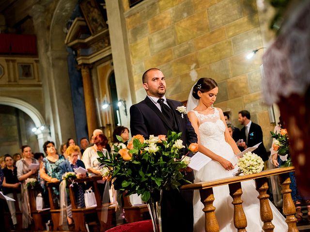 Il matrimonio di Lorenzo e Martina a Borgo a Mozzano, Lucca 30