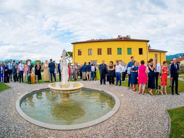 Il matrimonio di Lorenzo e Martina a Borgo a Mozzano, Lucca 3