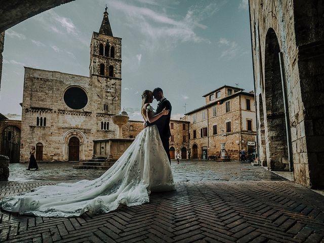 Le nozze di Tara e Conrad