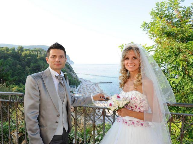 Il matrimonio di Gianluigi  e Ilaria a Camerano, Ancona 3