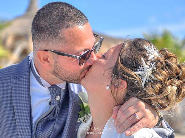 Il matrimonio di Roberto Antonio  e Margit  a Golfo Aranci, Sassari 1