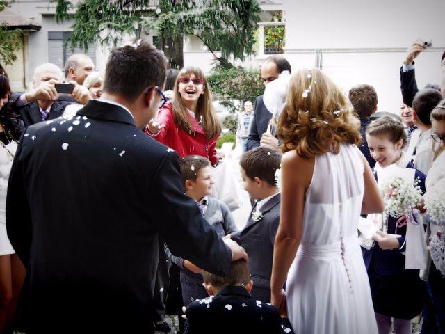 Il matrimonio di Luca e Paola a Mandello del Lario, Lecco 24