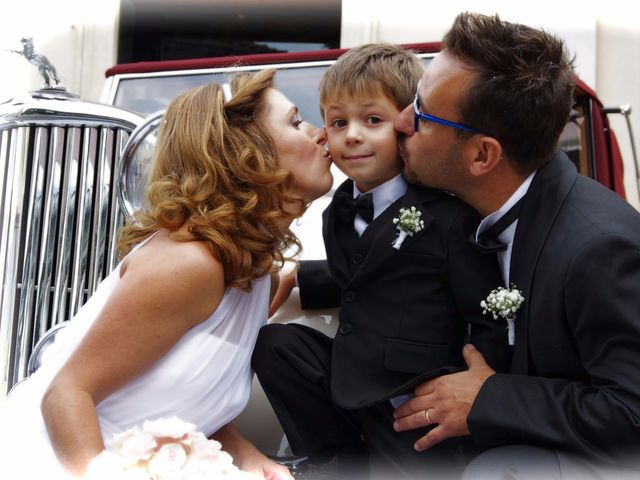Il matrimonio di Luca e Paola a Mandello del Lario, Lecco 30