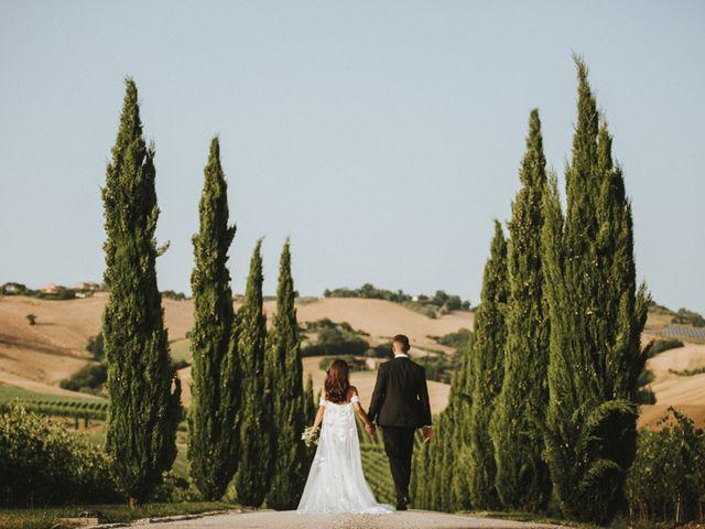 Il matrimonio di Aaron e Sarah a Mogliano, Macerata 30