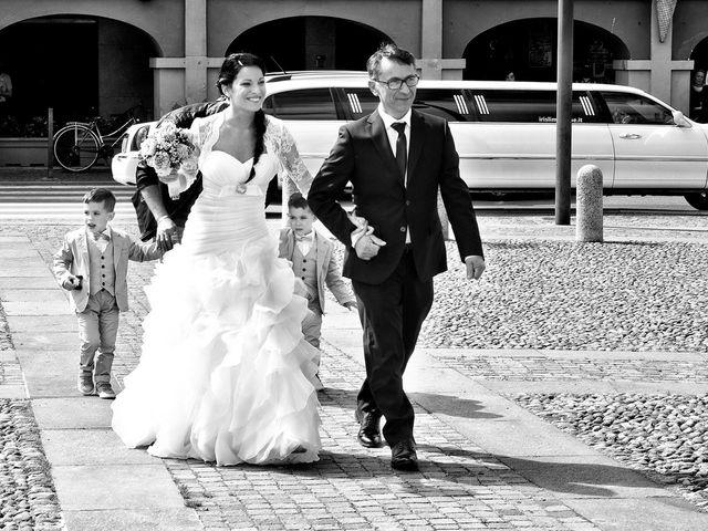 Il matrimonio di Alex e Nunzia a Romanengo, Cremona 25