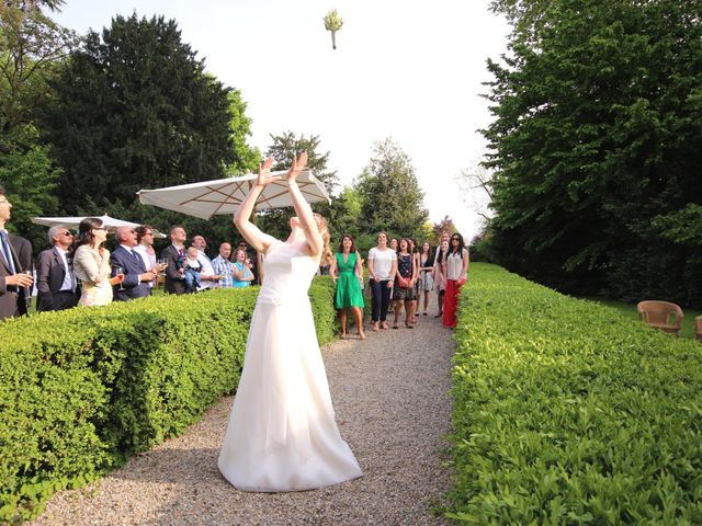 Il matrimonio di Raffaele e Valérie a Corbetta, Milano 16