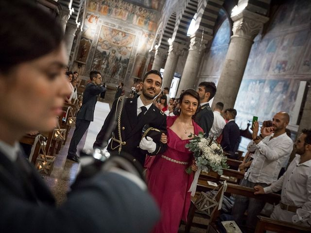 Il matrimonio di Emanuele e Erina a San Gimignano, Siena 30