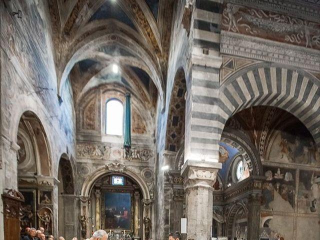Il matrimonio di Emanuele e Erina a San Gimignano, Siena 33