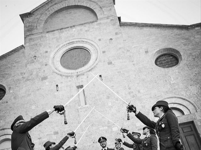 Il matrimonio di Emanuele e Erina a San Gimignano, Siena 37