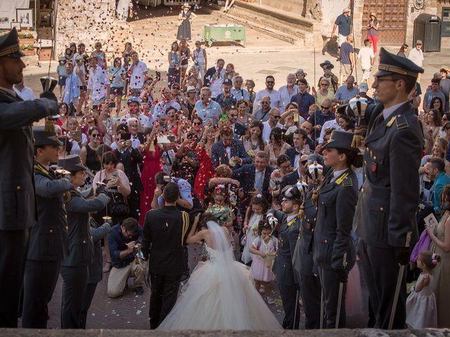 Il matrimonio di Emanuele e Erina a San Gimignano, Siena 38