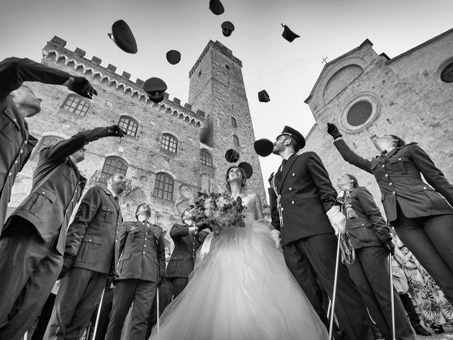 Il matrimonio di Emanuele e Erina a San Gimignano, Siena 39