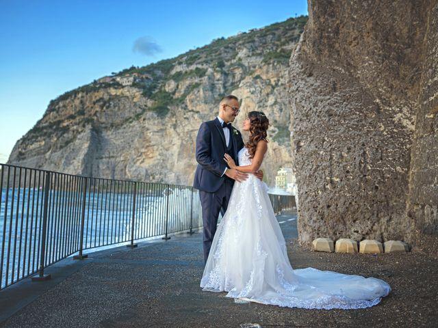 Il matrimonio di Mariateresa e Emiddio a Sorrento, Napoli 1
