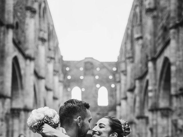 Il matrimonio di Jonathan e Giulia a Chiusdino, Siena 16