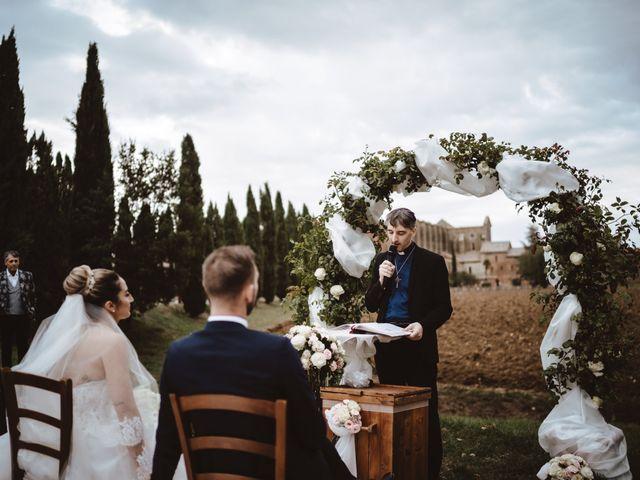 Il matrimonio di Jonathan e Giulia a Chiusdino, Siena 19
