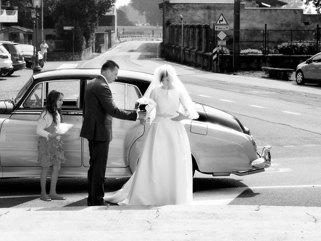 Il matrimonio di Victoria e Matteo a Dello, Brescia 22