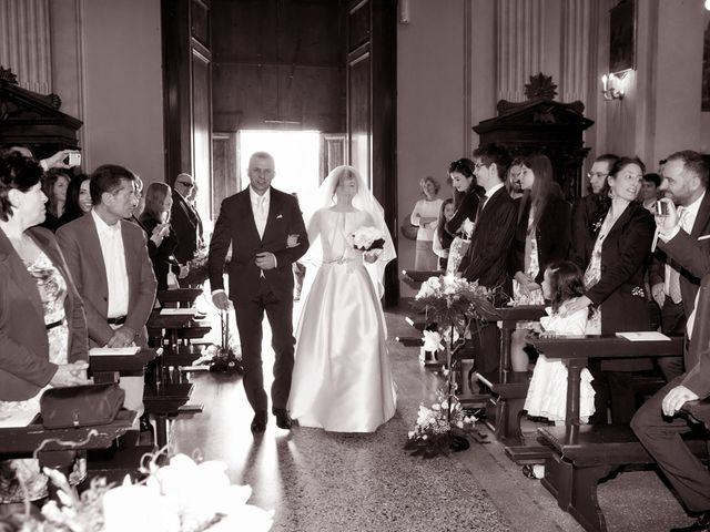 Il matrimonio di Victoria e Matteo a Dello, Brescia 24