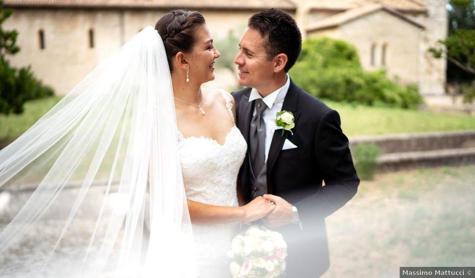 Il matrimonio di Yuri e Vittoria a Torre de' Passeri, Pescara