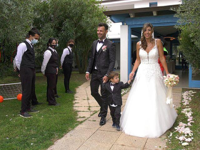Il matrimonio di Alessandro e Valentina a Nurachi, Oristano 23
