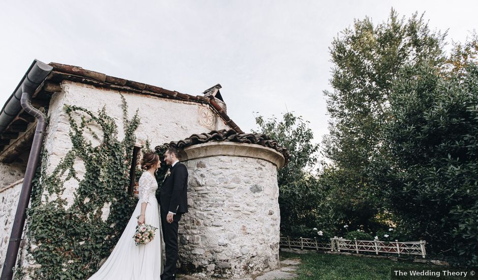 Il matrimonio di Simone e Claudia a Viggiù, Varese