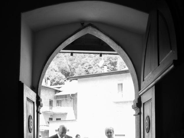 Il matrimonio di Carlo e Michela a Mezzana, Trento 13