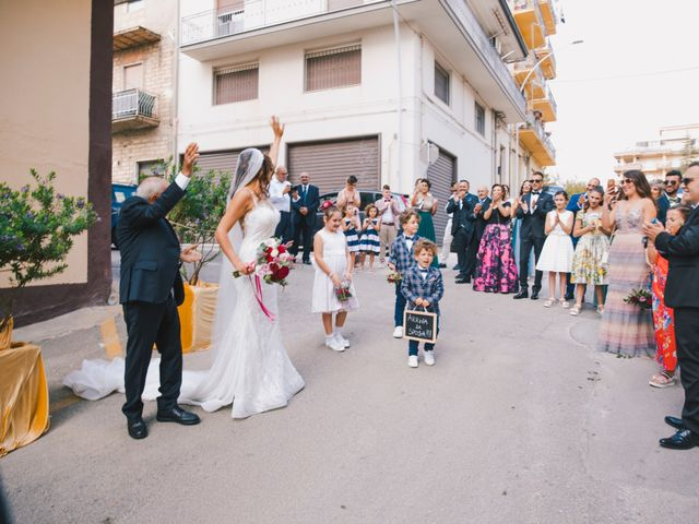 Il matrimonio di Gianluigi e Clara a Favara, Agrigento 30