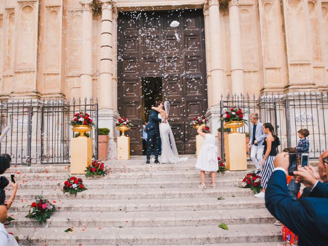 Il matrimonio di Gianluigi e Clara a Favara, Agrigento 38